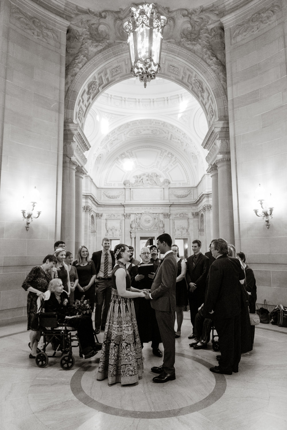 07-sf-city-hall-indian-wedding-elopement-vivianchen-145.jpg