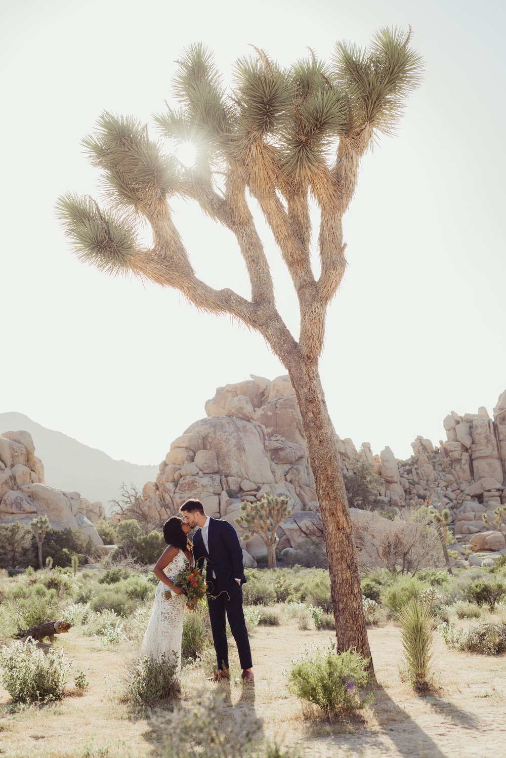 45-63-joshua-tree-ace-hotel-wedding-vivianchen-308.jpg