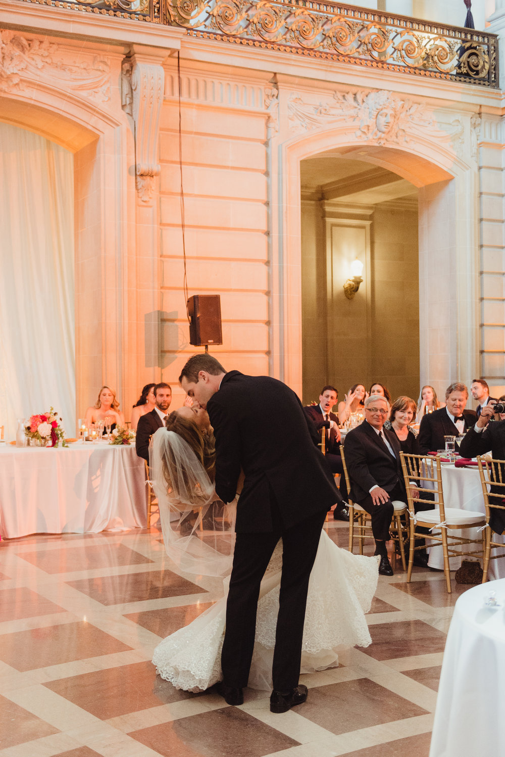 78-elegant-san-francisco-city-hall-wedding-vivianchen-0866.jpg
