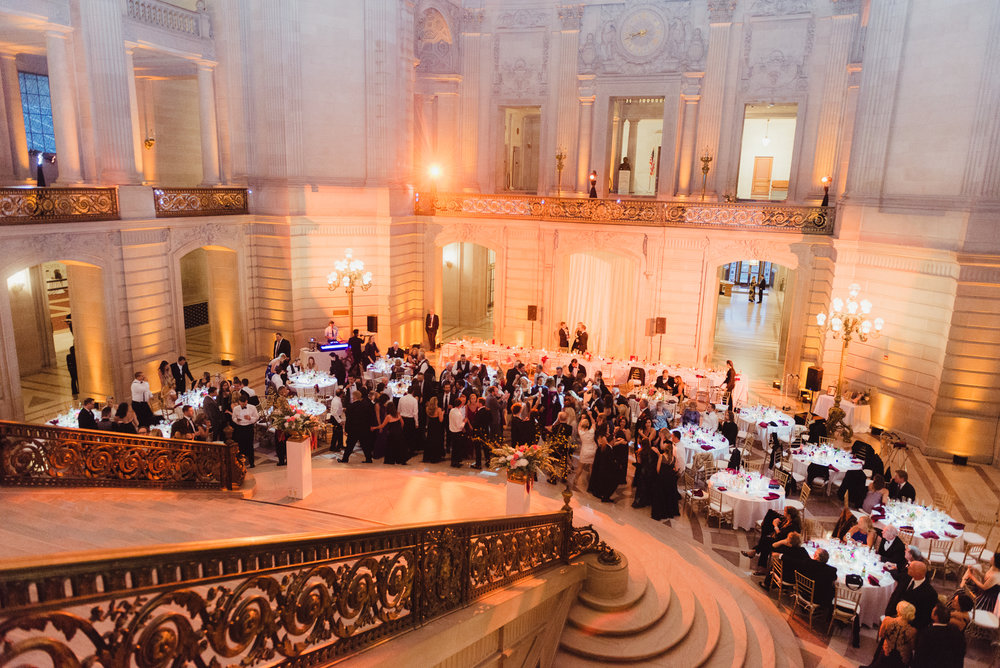 92-elegant-san-francisco-city-hall-wedding-vivianchen-1111.jpg