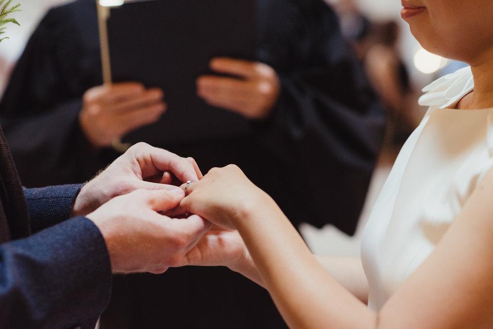 13-sf-city-hall-18-reasons-intimate-wedding-vivianchen-150.jpg