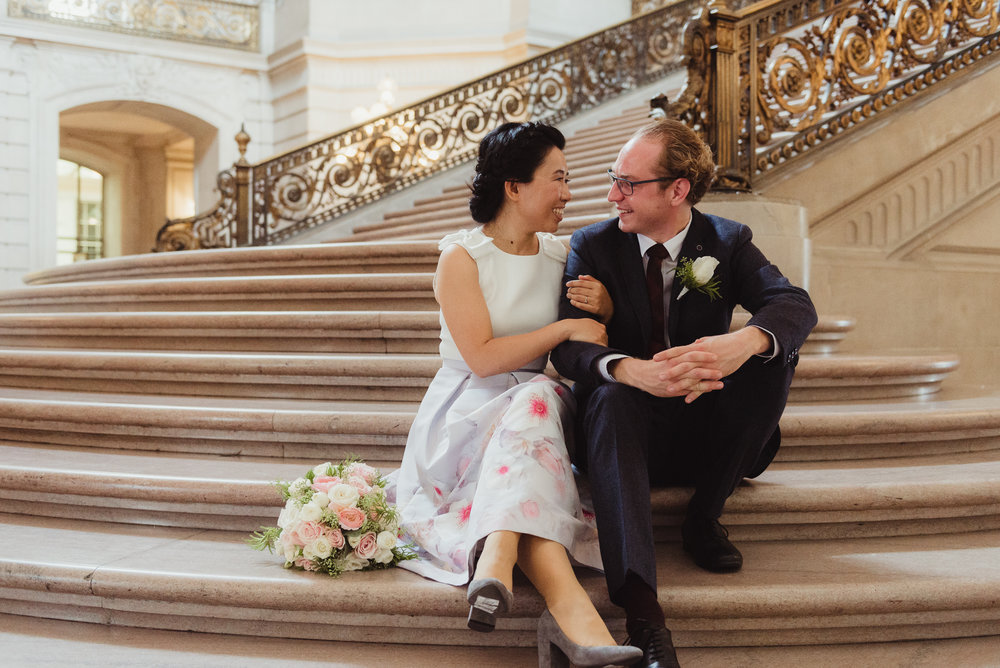 22-sf-city-hall-18-reasons-intimate-wedding-vivianchen-256.jpg