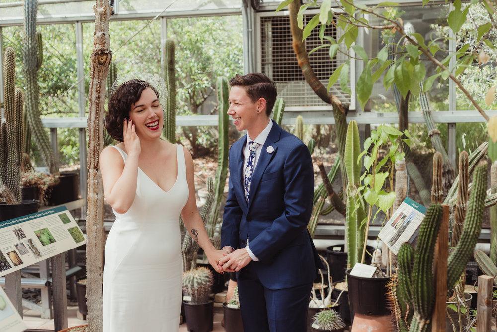 lgbtq-uc-berkeley-botanical-garden-wedding-vivianchen-016.jpg