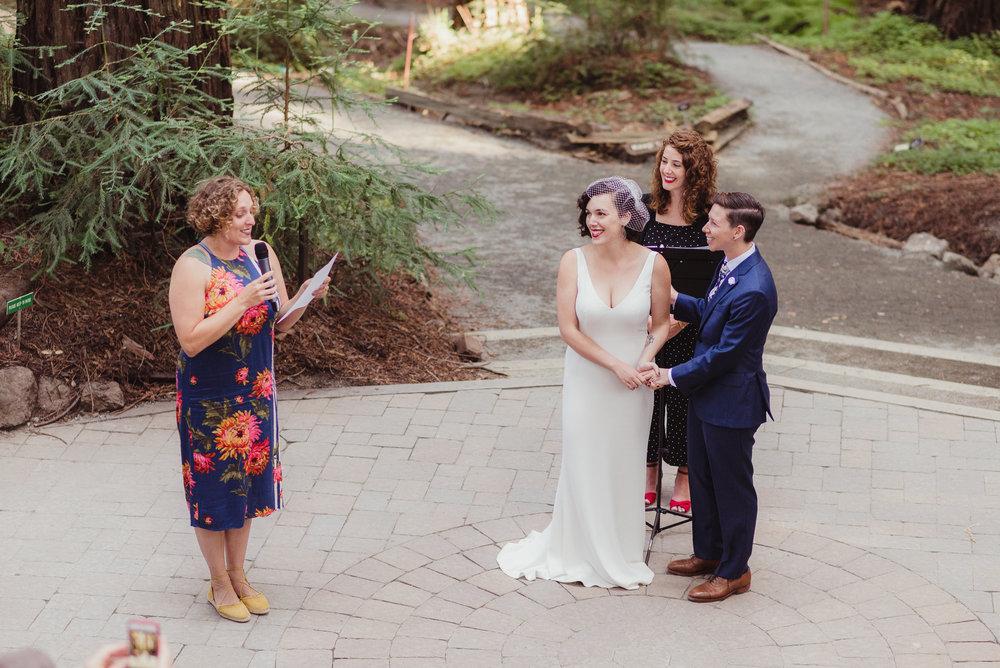 lgbtq-uc-berkeley-botanical-garden-wedding-vivianchen-037.jpg