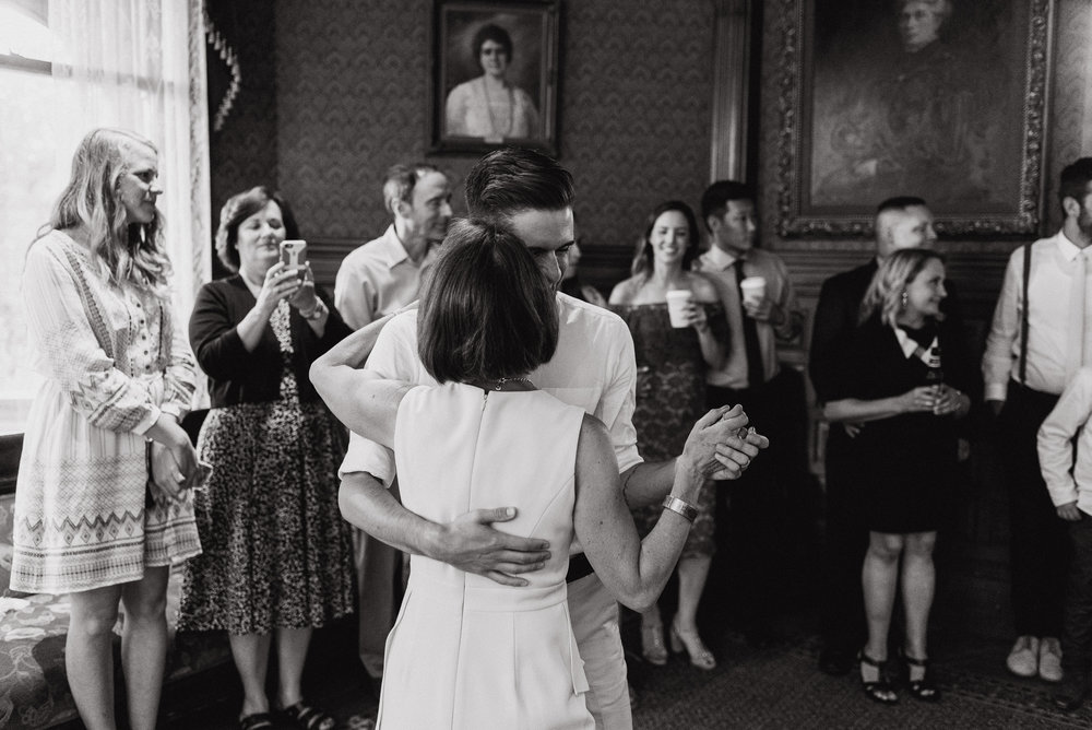 092-lgbtq-falkirk-cultural-center-wedding-photographer-vivianchen-820.jpg