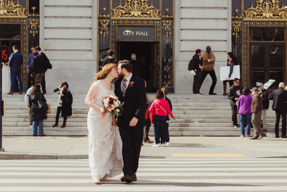 41-san-francisco-city-hall-elopement-js-vivianchen-314.jpg
