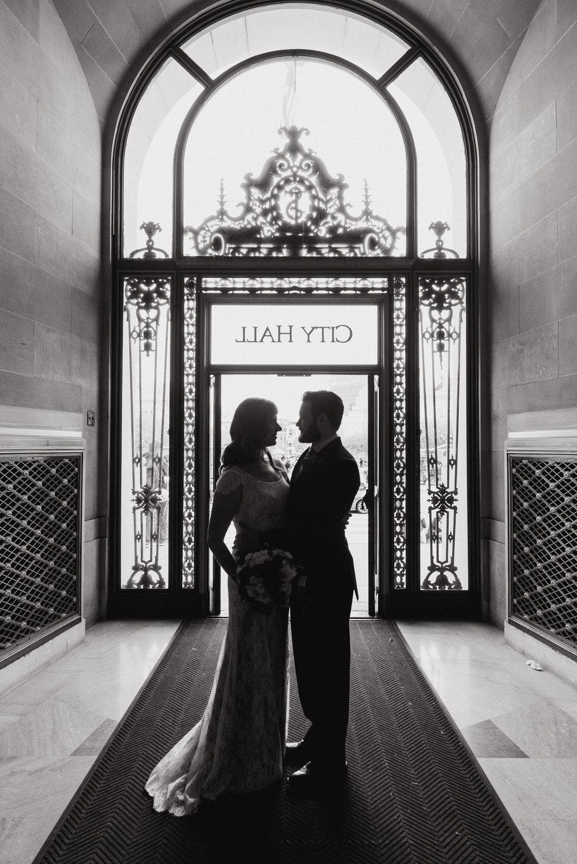 40-san-francisco-city-hall-elopement-js-vivianchen-302.jpg