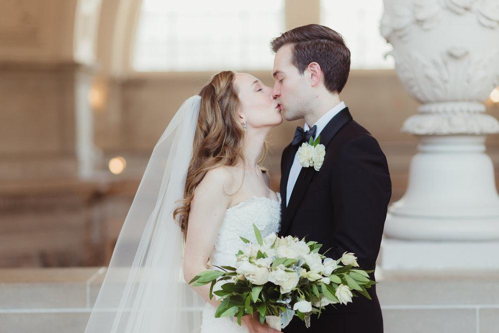 070-black-tie-san-francisco-city-hall-wedding-vivianchen-0891.jpg