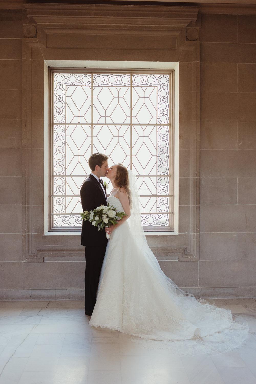 073-black-tie-san-francisco-city-hall-wedding-vivianchen-0927.jpg