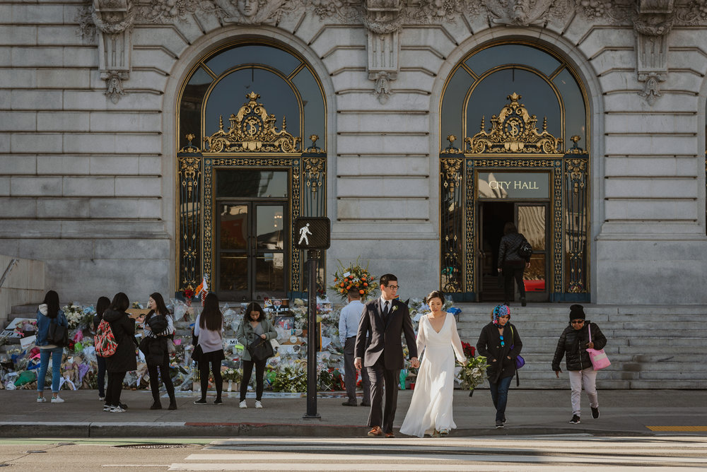 34-winter-san-francisco-city-hall-elopement-vivianchen-287.jpg
