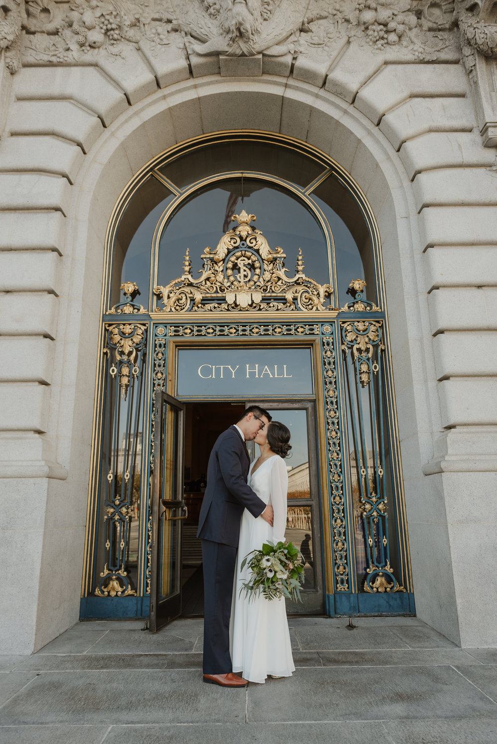 33-winter-san-francisco-city-hall-elopement-vivianchen-274.jpg