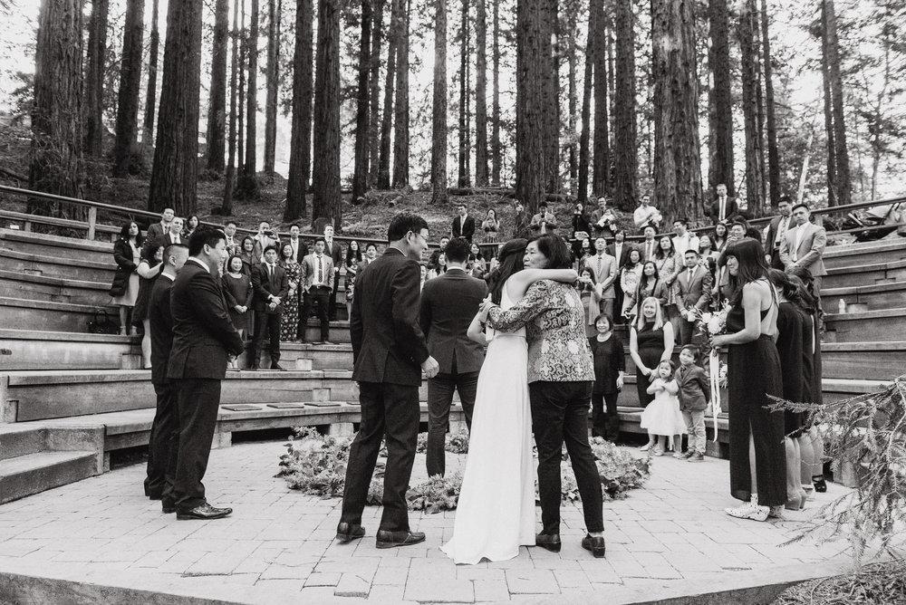 21-mather-redwood-grove-uc-botanical-garden-wedding-vivianchen-136.jpg