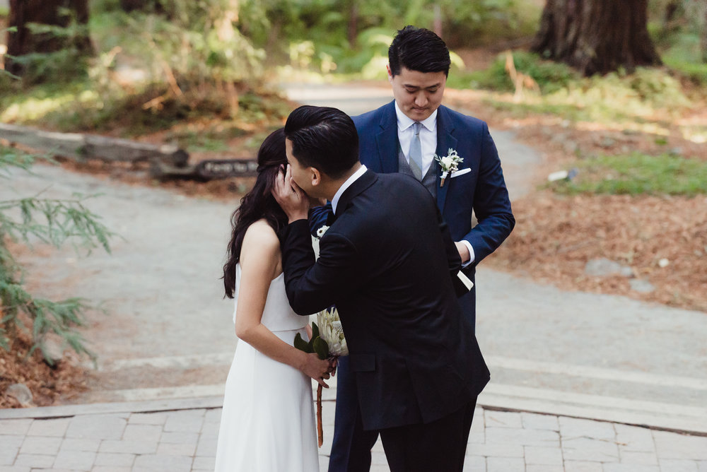 29-mather-redwood-grove-uc-botanical-garden-wedding-vivianchen-184.jpg