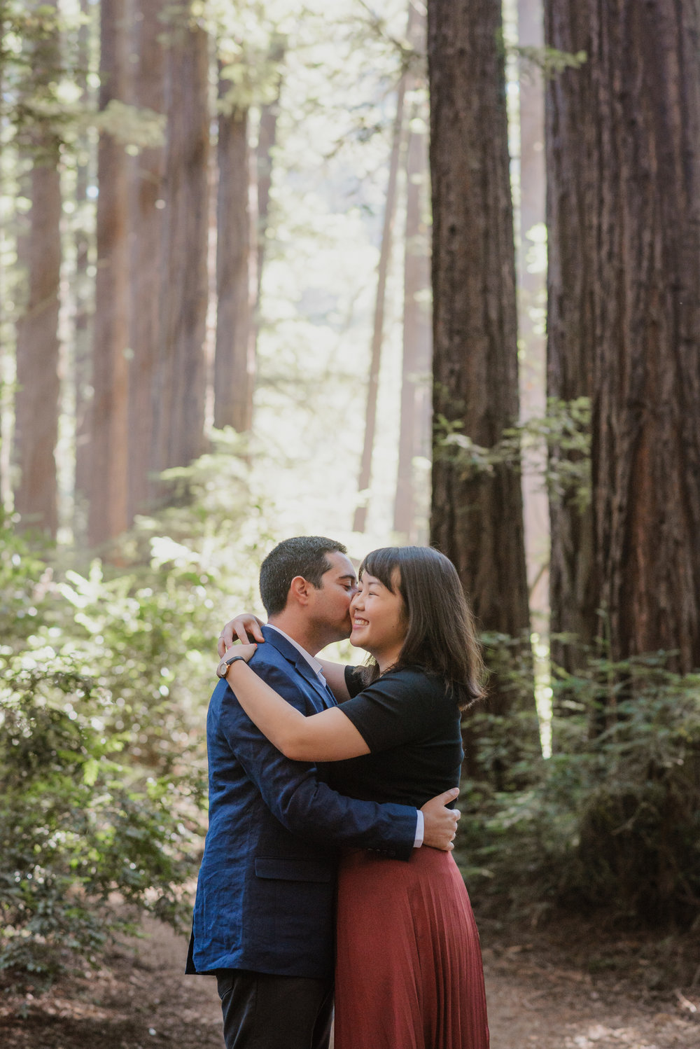 oakland-redwood-engagement-session-photographer-vivianchen-010.jpg