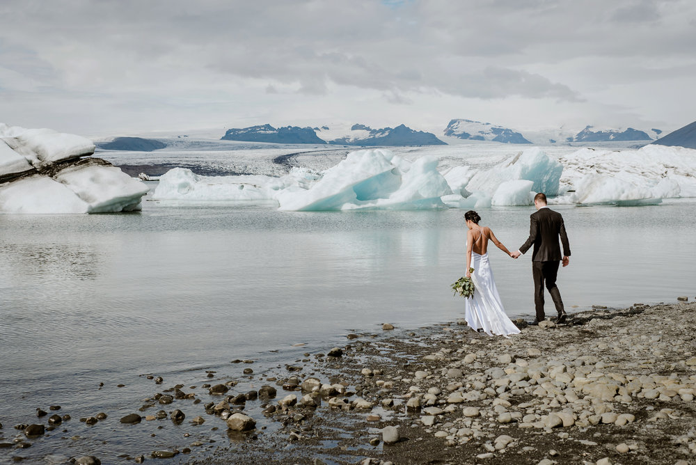 destination-wedding-iceland-engagement-session-vivianchen-063.jpg