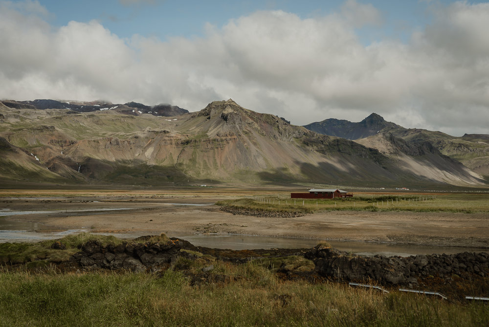 003-hotel-budir-iceland-destination-wedding-vivianchen-042.jpg