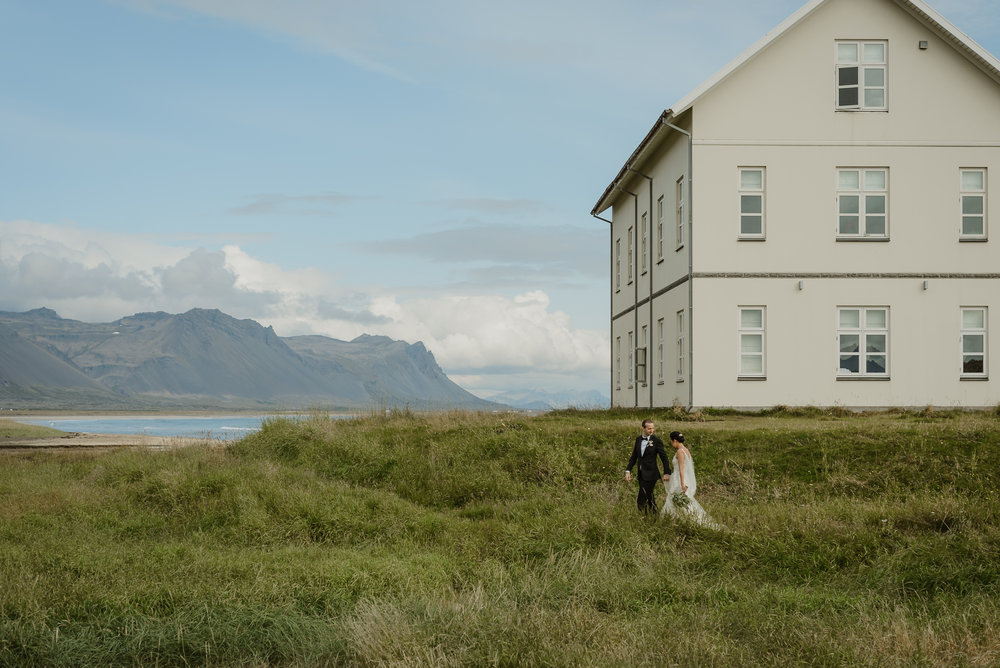 083-hotel-budir-iceland-destination-wedding-vivianchen-345.jpg
