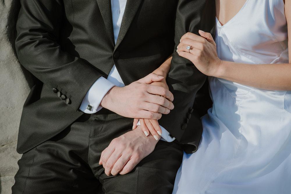 20-destination-wedding-iceland-engagement-session-vivianchen-178.jpg