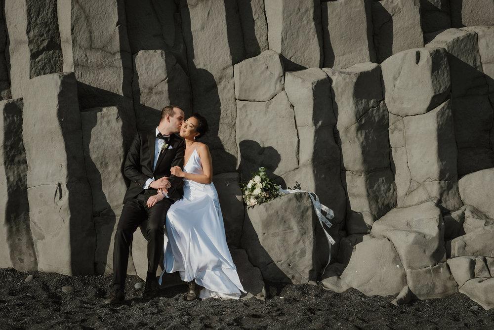 21-destination-wedding-iceland-engagement-session-vivianchen-173.jpg