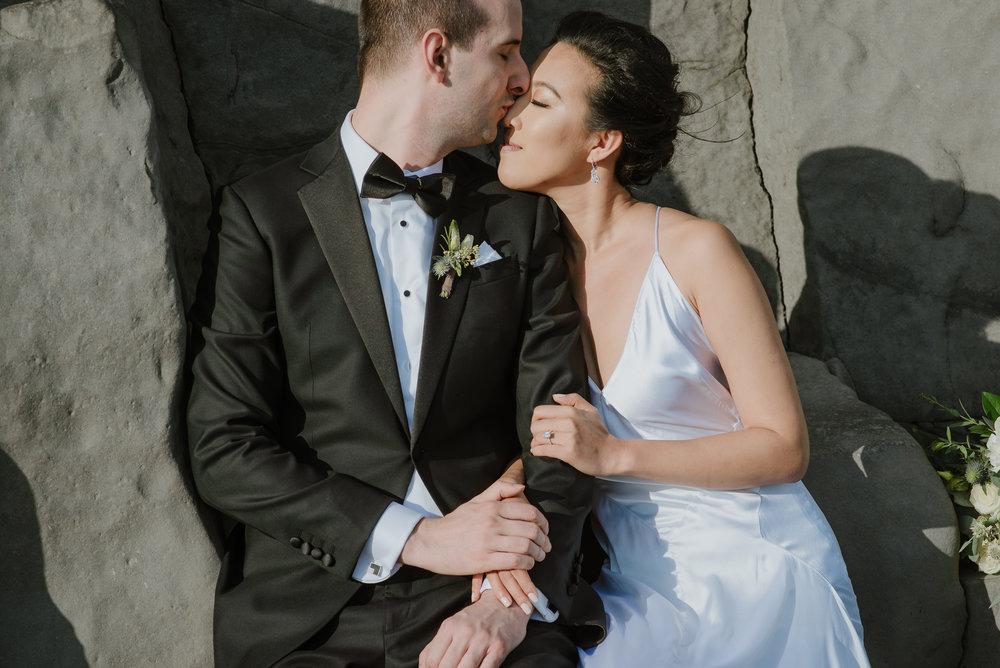 22-destination-wedding-iceland-engagement-session-vivianchen-179.jpg