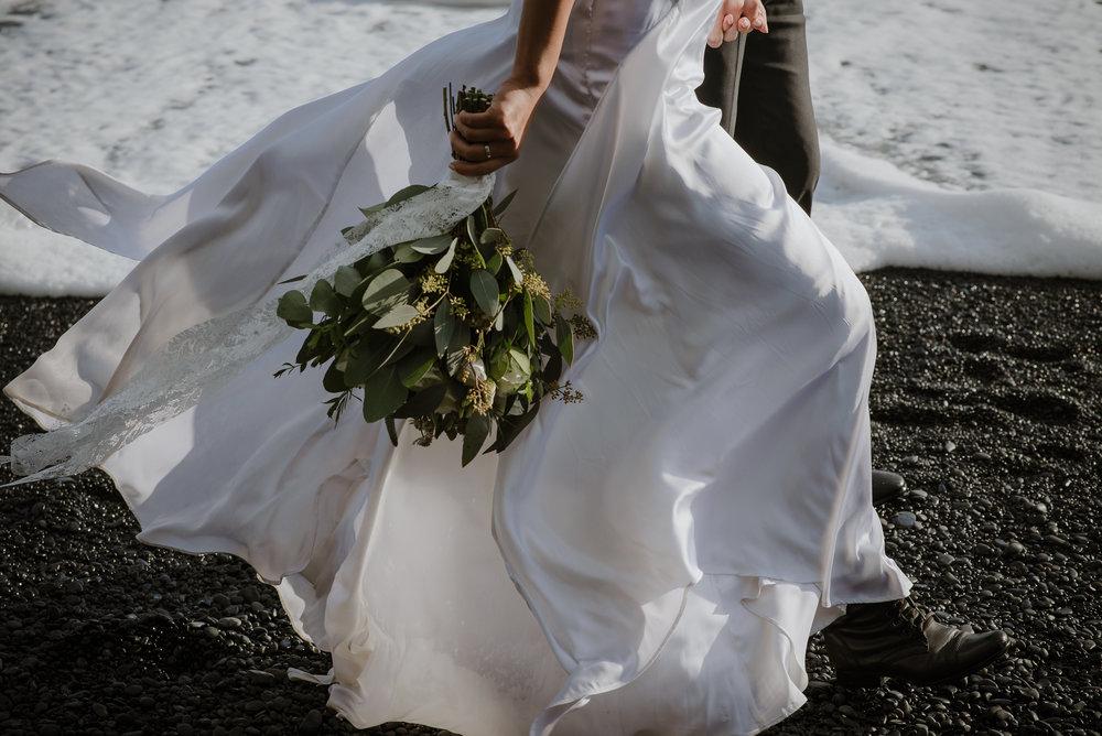 24-destination-wedding-iceland-engagement-session-vivianchen-217.jpg