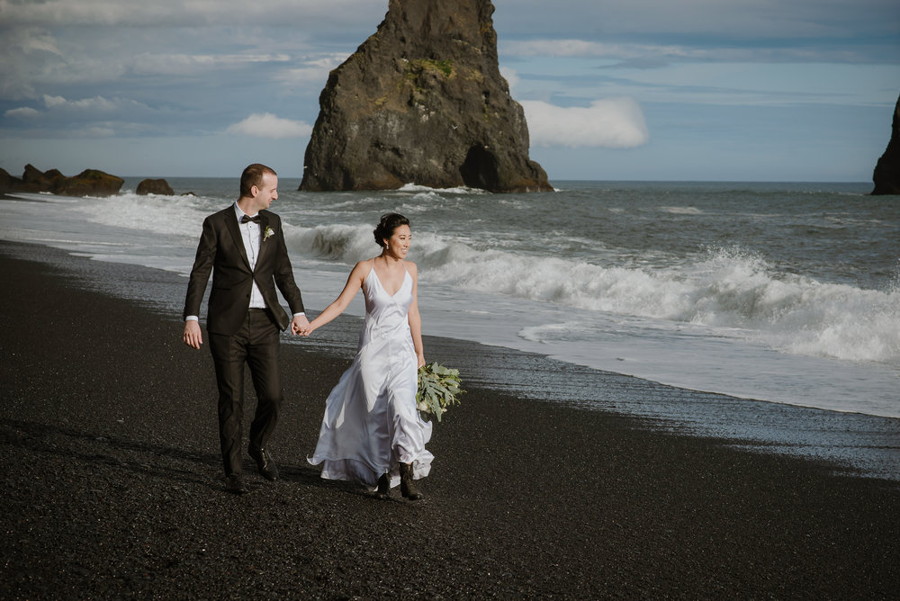 25-destination-wedding-iceland-engagement-session-vivianchen-191.jpg