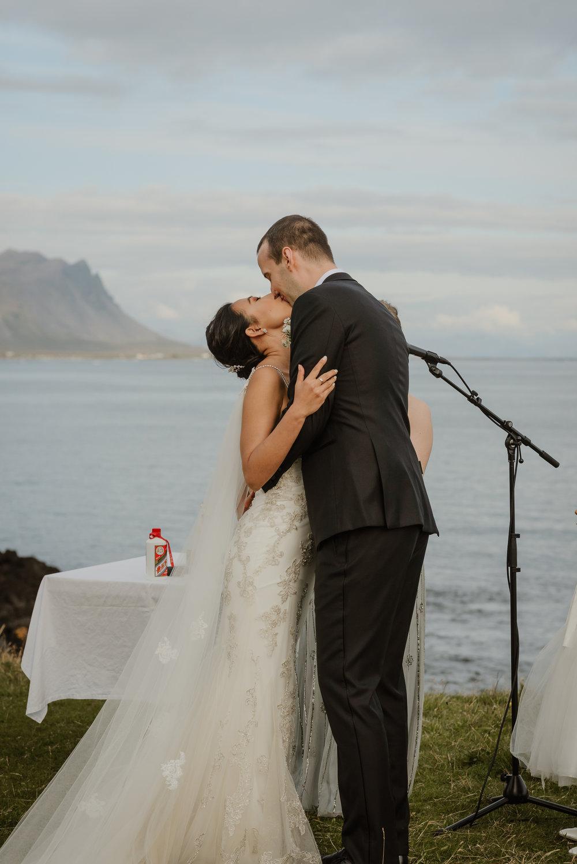 072-hotel-budir-iceland-destination-wedding-vivianchen-642.jpg