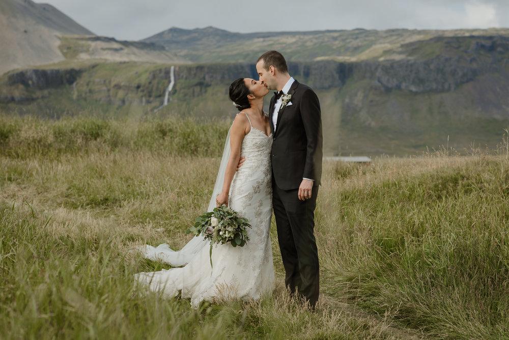 082-hotel-budir-iceland-destination-wedding-vivianchen-402.jpg