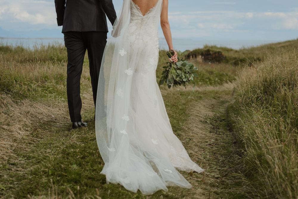 085-hotel-budir-iceland-destination-wedding-vivianchen-397.jpg
