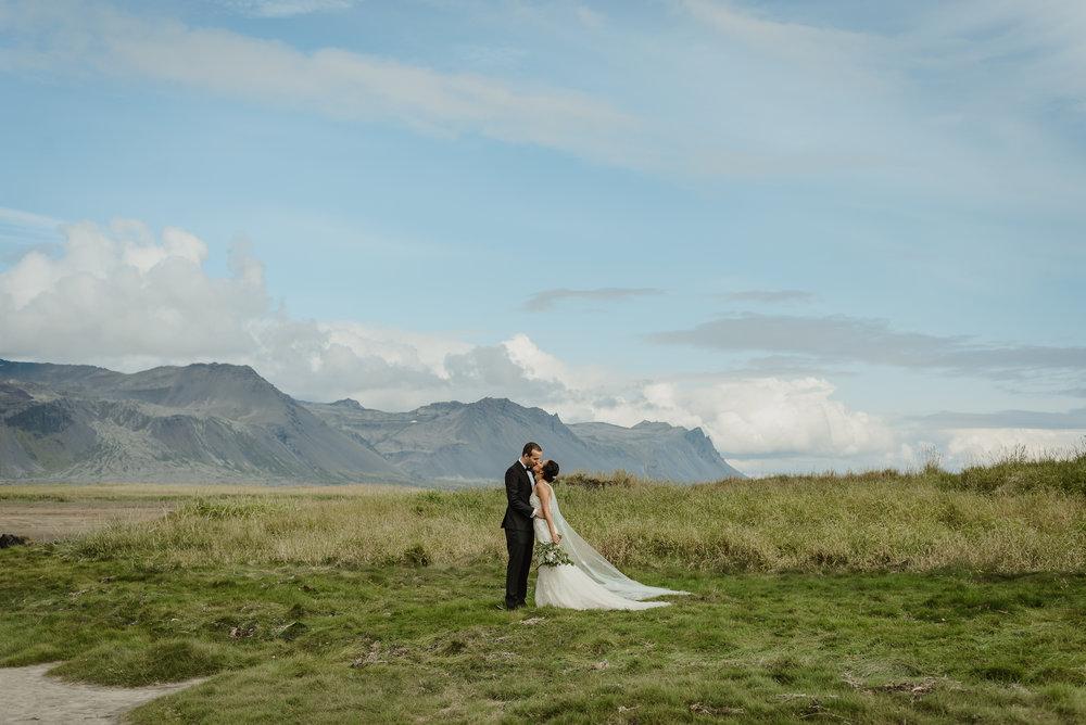 086-hotel-budir-iceland-destination-wedding-vivianchen-354.jpg