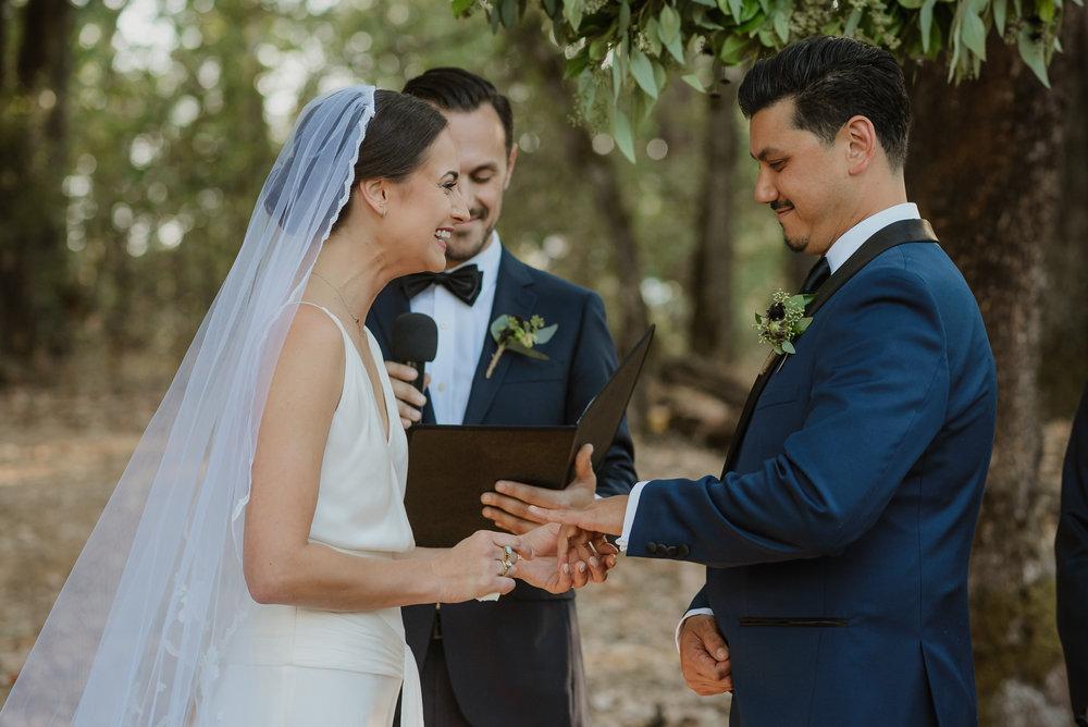 44-ukiah-yokayo-ranch-fall-wedding-vivianchen-299.jpg