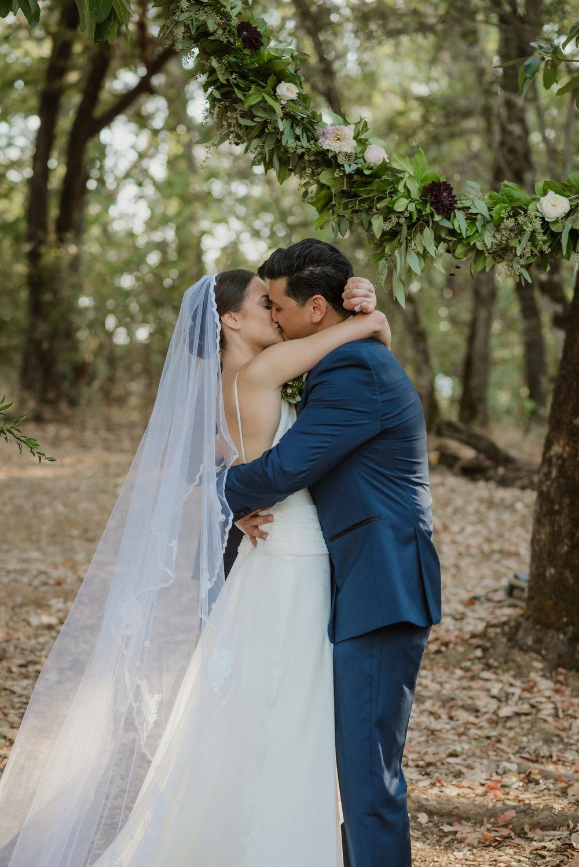 45-ukiah-yokayo-ranch-fall-wedding-vivianchen-305.jpg