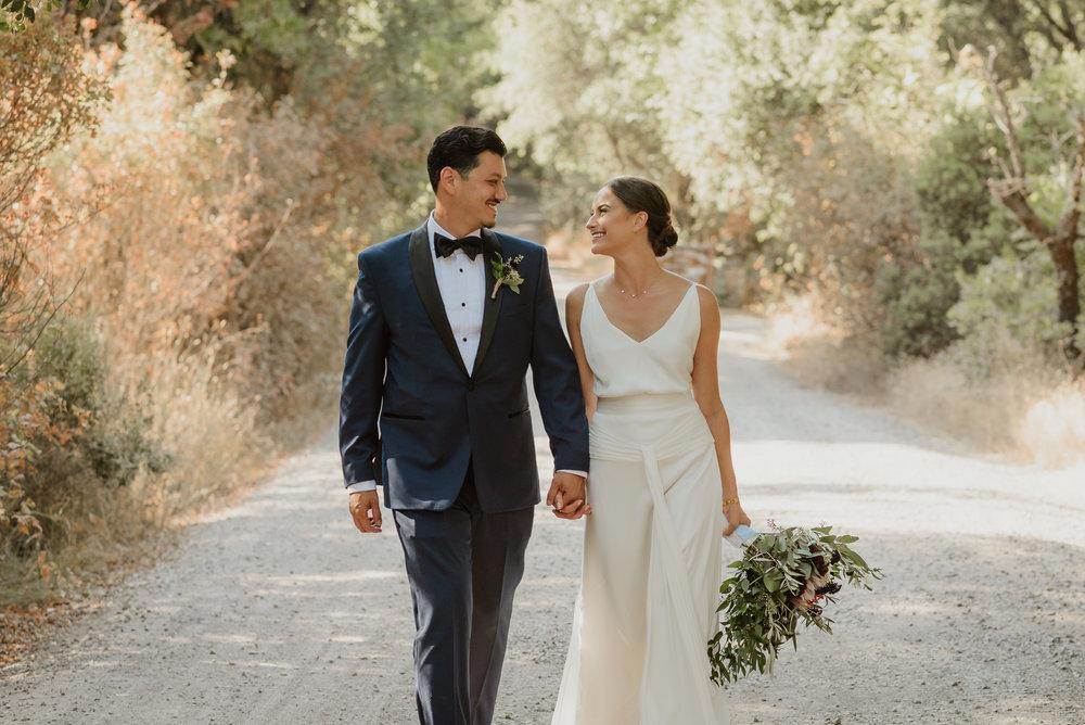 50-ukiah-yokayo-ranch-fall-wedding-vivianchen-387.jpg