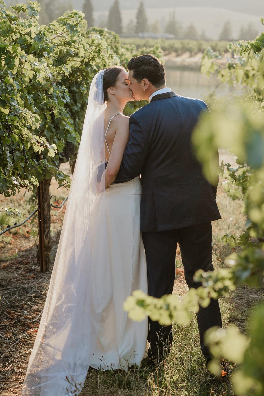 56-ukiah-yokayo-ranch-fall-wedding-vivianchen-425.jpg