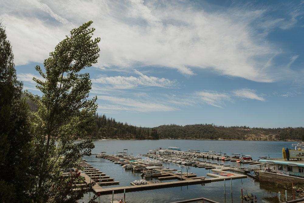01-bass-lake-pines-resort-destination-wedding-vivianchen-004.jpg