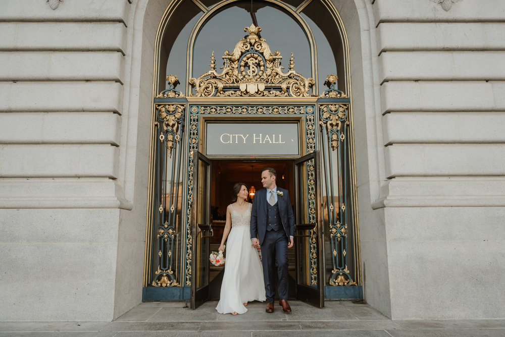 33-christmas-san-francisco-city-hall-elopement-vivianchen-272.jpg