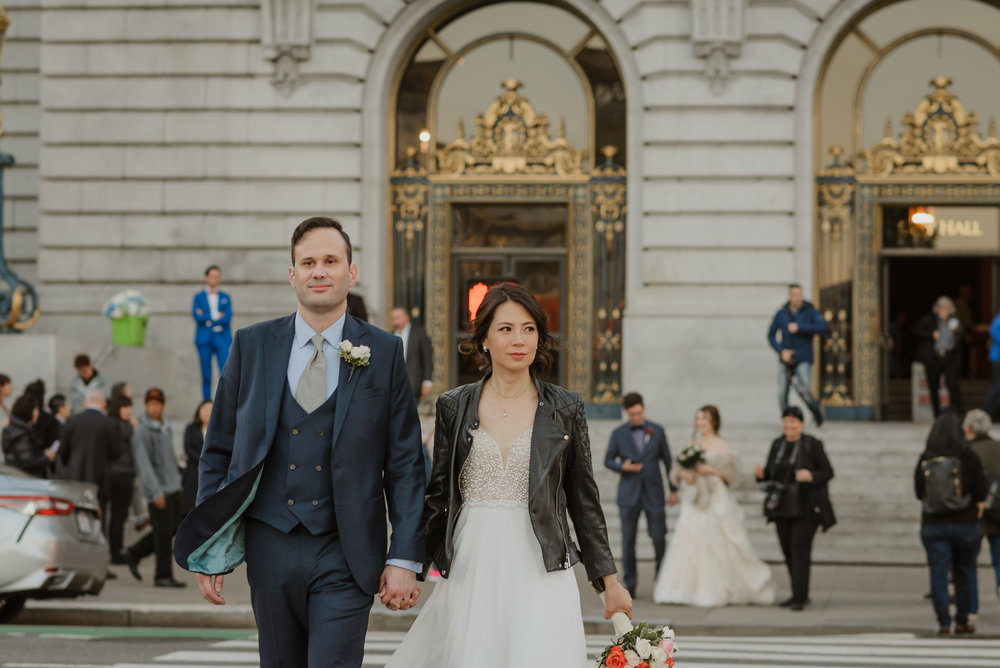 34-christmas-san-francisco-city-hall-elopement-vivianchen-287.jpg