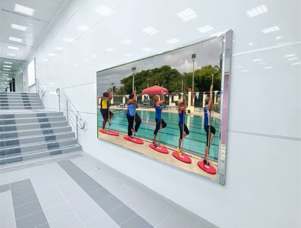 Then you can follow your workout on a personal screen near each station or big screen to share.