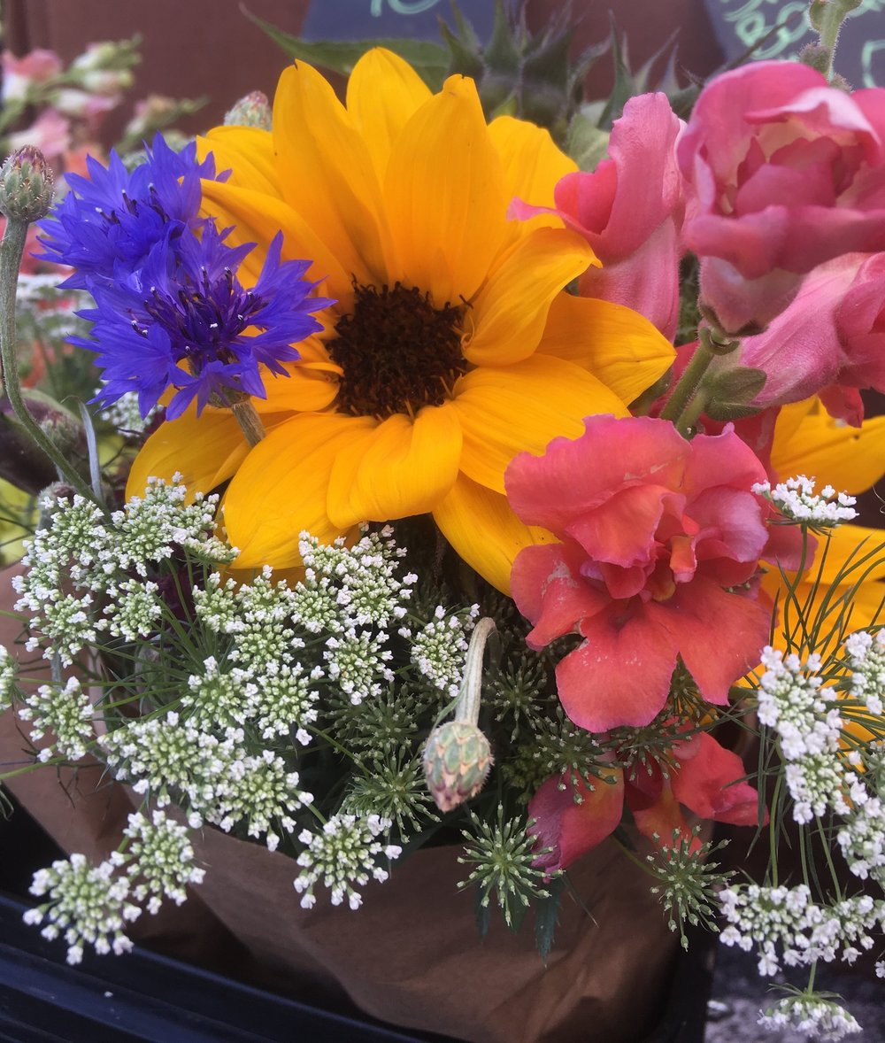 12 bouquet share -