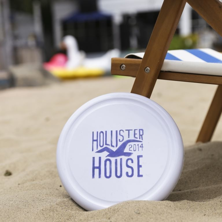 Hollister-Spring-Summer-2014-Hollister-House-Project-4.jpg