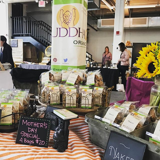 #forthegreatergoods at #rhouse 11-4 today. Great #mothersdaygift ideas. Grab delicious #healthysnack for any mom you know. #nutritiousanddelicious #glutenfreevegan #localvendors #deliciouslyhealthy #charmcity #madeinbaltimore #madewithlove @bwillowbmo @donut_alliance @pearlswirl_jenny @wightteaco @love4argentina