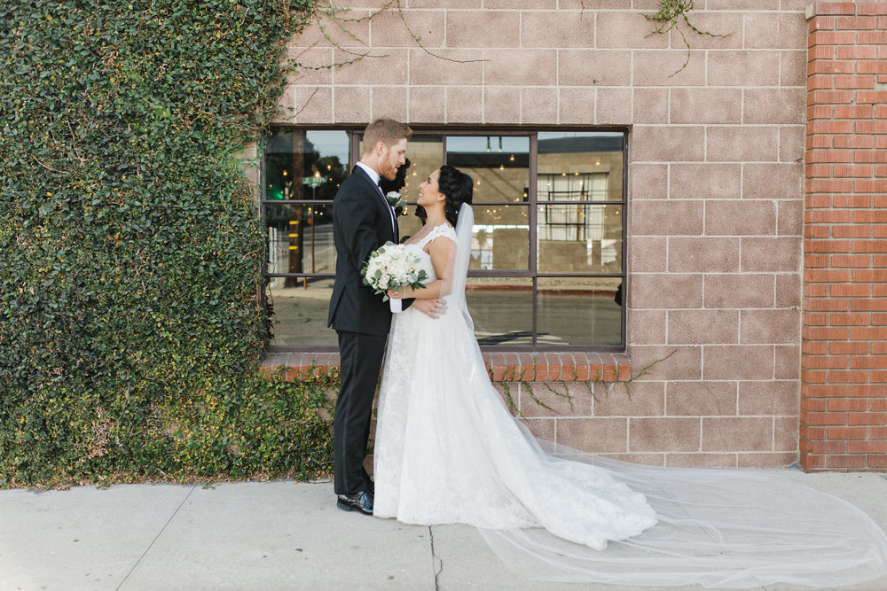 Smoky-Hollow-Studios-Wedding-El-Segundo-Flower-venue
