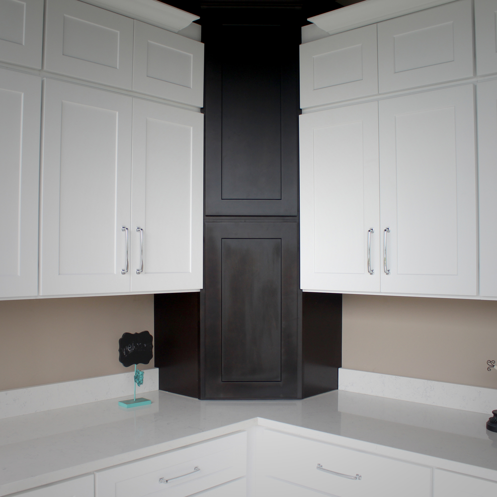 Oak Park Kitchen Cabinets, Sinks and Countertops — Rock Counter