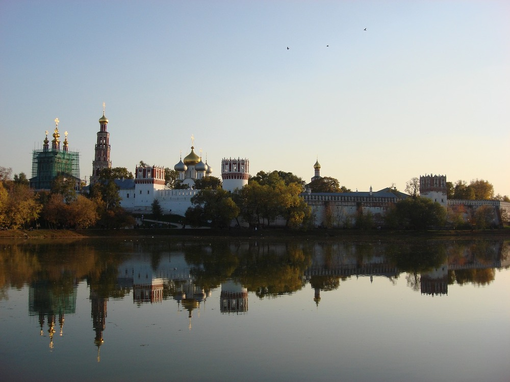 Novodevichy Convent on the banks of the Moskva Ruver