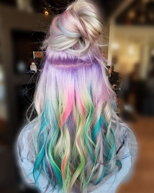 Another look at Alyssa's creation. ❤️A Mix of pastels and neons #hair #yeghair #mousybrowns#pulpriothair #edmonton #yeg #fun #creative #expressive #modernsalon #behindthechair
