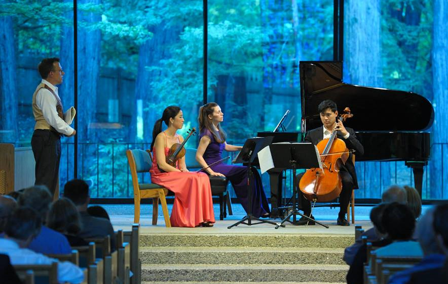 Kai Christiansen talks about Ravel Trio at an ESF concert, 2015/Photo: Scot Goodman