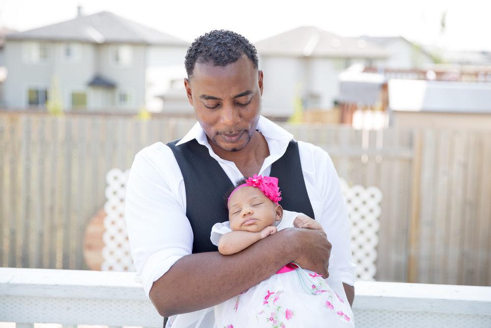 Newborn photoshoot - Calgary photographer