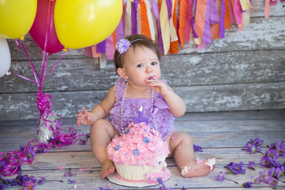 Cake Smash - Calgary Photographer