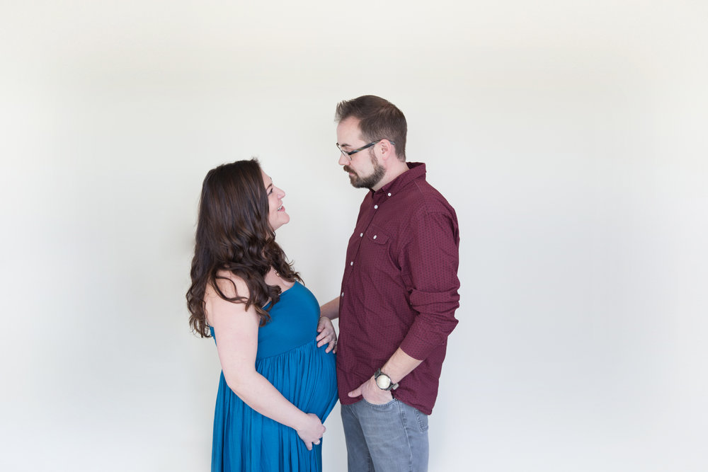Maternity Photoshoot - Calgary photographer