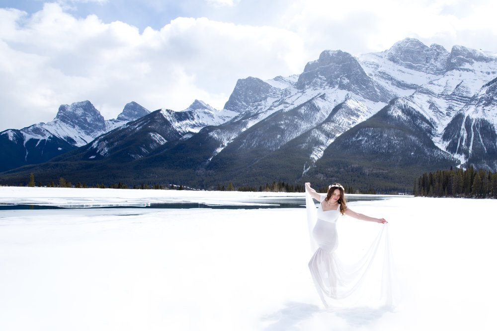 Mother Winter. Maternity Mountain Photoshoot. Alberta photographer.